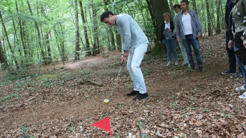 Golf in the woods bedrijfsuitje