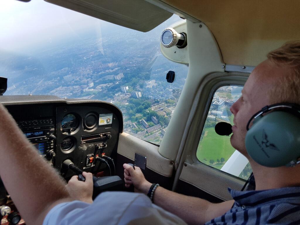 Fly & Drive: vliegles en Mini Coopers!